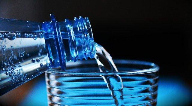 láhev vody