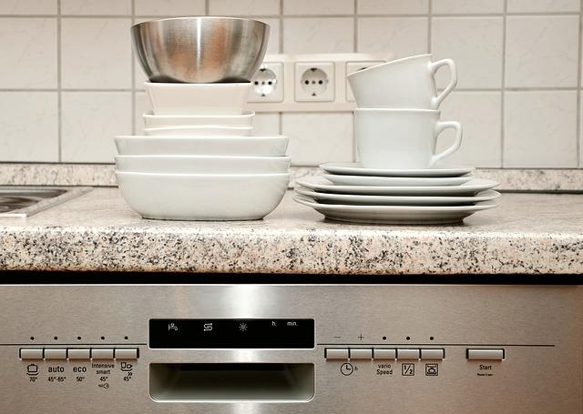 nádobí nad myčkou